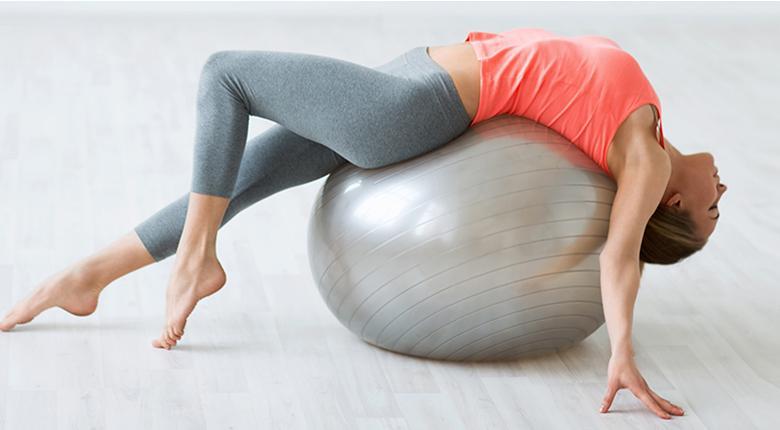 Упражнения для похудения с фитболом в домашних условиях