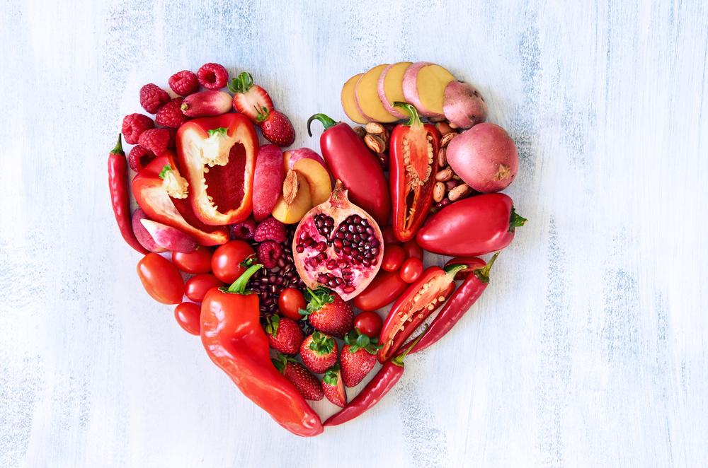 Фрукты и овощи яркого цвета