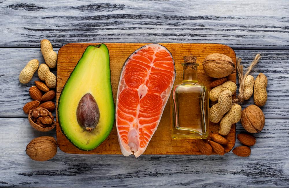 Продукты, содержащие полезные жирные кислоты.