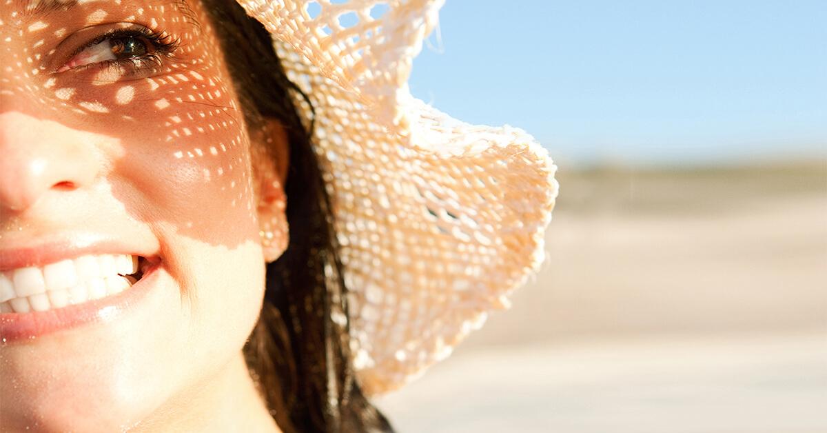 Защита кожи от солнца, как выбрать солнцезащитный крем SPF для лица и тела,  крем для загара, солнцезащитные средства: как наносить